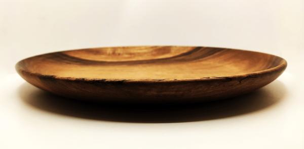 assiette en bois de noyer écologique art de la table
