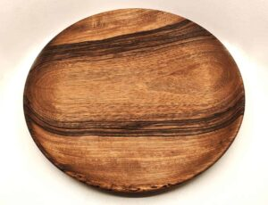 Assiette plate en bois de Noyer – Naturel et écologique